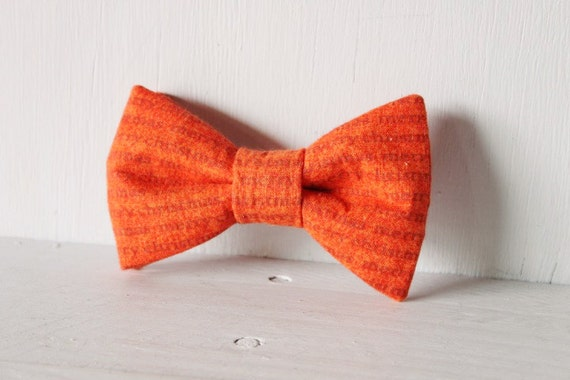 Dog bow tie >> Red Merry Christmas text bow with elastic >> Pet gift