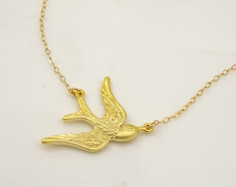 Flying Bird Necklace Gold Necklace Swallow Necklace Animal Jewelry Unique Gifts for Women Delicate Necklace Bridesmaid Gift for Friend