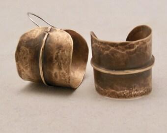 Brass hammered hoop earrings