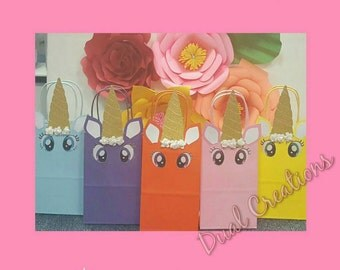 10 pcs unicorn goody bags.