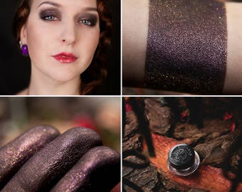 Eyeshadow: Enchanted Dragon's Beloved - Dragonblood. Purple shimmering eyeshadow by SIGIL inspired.