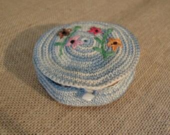 Vintage Hand Crochet Little Thread Holder / Sewing Supplies / Needlecraft