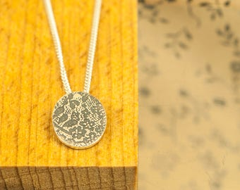 Lace Necklace Silver    Oval jewel Silver    Lace Necklace Silver    Lace Pendant Silver    Oval Print   