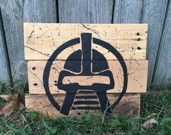 Cylon Helmet, Medium Sign