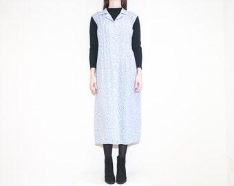 on sale - 90s light blue floral button-up dress / sleeveless midi shirt dress / size XL