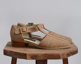 Naturalizer leather sandals / 1990s vintage beige shoes