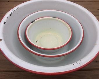 Enamelware bowls, graduated bowls, White enamelware bowls, red enamelware bowls, vintage bowl set, vintage bowls, farmhouse decor