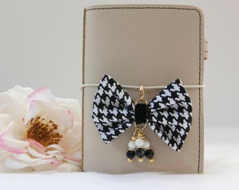Elegance Collection Damask Planner Bow Charm