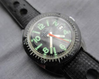 1970s Diane Dive Diving Watch Date Black Dial Lume Rally Strap Stainless Steel 44mm Winding Mechanical Watch Date