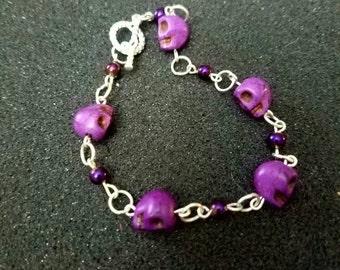 Purple happy skulks