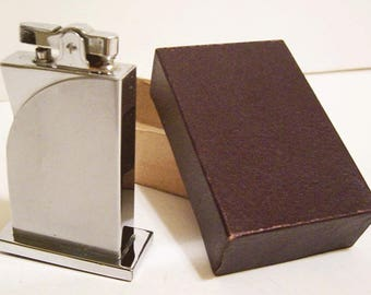 Vintage 1930's Art Deco Chrome Machine Age SUPREME Table Lighter - (Old Store Stock)