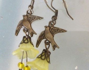 bird lucite flower earrings bronze vintage
