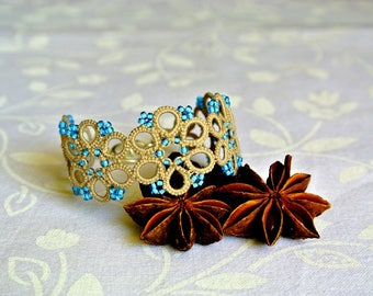Tatted beaded bracelet made in Italy//ecru and turquoise//tatting lace bracelet//frivolitè//flower beadwork