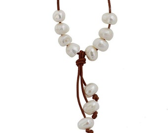 Necklace white pearls brown leather