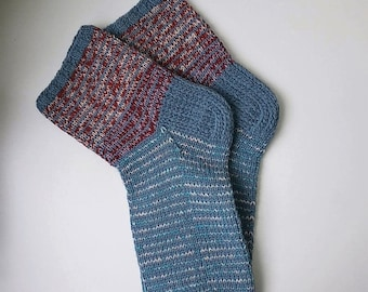 Size 44-45 EU/10 1/2-11 1/2 men 11 1/2-12 1/2 women US Hand knitted lambswool striped warm colorful sleeping/travel/home socks One of a kind