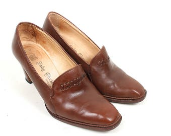 Vintage Brown Leather Shoes - 1960s 1970s Beautiful Brown Leather High Heels Made in Italy - 60s 70s Leather Chunky Wood Heel Pumps Size 8