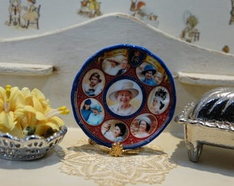 Elizabeth Quee Miniature Plate for Dollhouse 1:12 scale