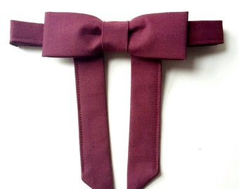 Western bow tie. Maverick bow tie. Burgundy bowtie. Vintage style bowtie. 50's style. Cotton bow tie. Mens bowtie. String bow tie. Wine.