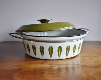 Cathrineholm Lotus 3 Quart Dutch Oven, Green on White Lotus Enamelware Lidded Pot, Catherineholm Norway Scandinavian Enameled Steel Pot