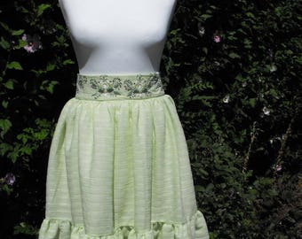 green skirt folk