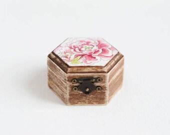 Wedding Ring Box, Engagement Ring Box, Rustic Ring Box, Floral Ring Bearer, Ring Holder, Proposal Ring Box, Bohemian Ring Box, Peony Box