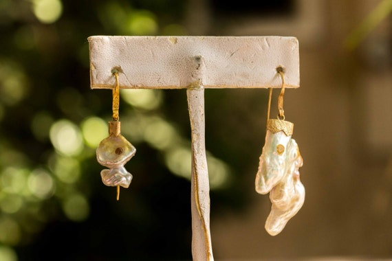 18k Gold White Abstract Diamond Pearl Earrings