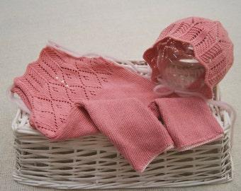 Newborn Girl Set: Romper & Bonnet; Pink; Vintage; Newborn Romper Prop; Newborn Bonnet Prop; Newborn Photo Prop