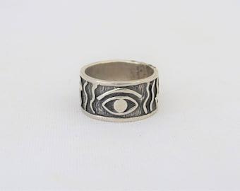 Vintage Sterling Silver Carved Eye Band Ring Size 6