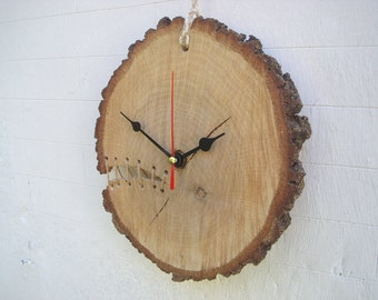 CLOCK ONE can not be duplicated on wooden slice in hand-stitched natural oak oak split with string for rustic decor