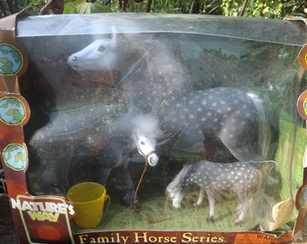 Vintage Family Horse Series Still In It's Original Box, Discover The Orlov-Trotter Flock Horse Mdels