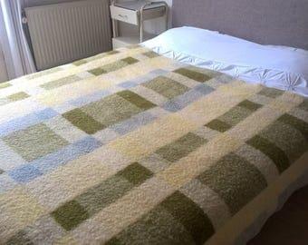 """Dutch vintage wool blanket De Nederlandse Wolfederatie 67"""" / 88,6"""" inch"""