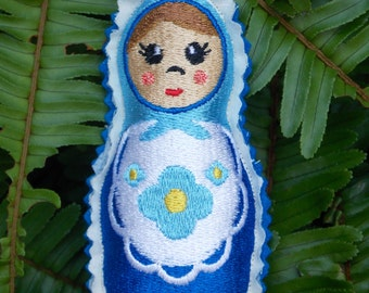 Christmas~Holiday~Gift ~ Wreath Ornament Traditional Russian Style Mamushka~ Matryoshka~Babushka Doll Machine Embroidered