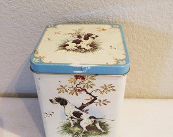 Vintage 1960's Collector Bird & Dog Hinged Tin Made in Great Britain