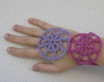 Tutoriel de fabrication mitaines motifs ronds au crochet création de châles, bijou de main, accessoire crochet, toile d'araignée crochetée