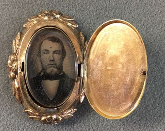 Rare Antique 1850's Pre-Civil War Era Rolled-gold Daguerreotype Locket Brooch.  Free shipping