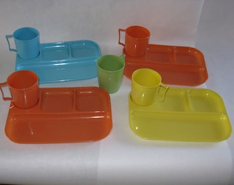 Set of 4 colorful plastic trays with cups mugs Colonial Plastics Cleveland Ohio