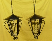 RESERVED 寛 北峯 pair lanterns vintage electric, couple chandelier for 1 bulb, lantern in wrought iron of color black year 1960s Italy