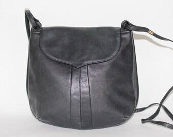 Vintage 1980's Black Faux LEATHER Long Shoulder Strap SMALL Cross Body Bag