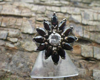 Sterling Silver Cubic Zirconia Black & White Daisy Statement Ring