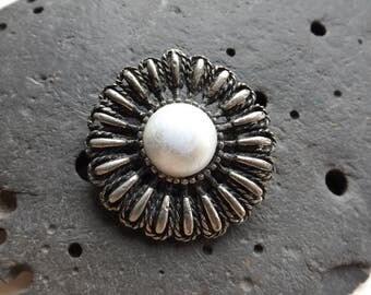Silver Plated Vintage Flower Brooch