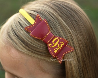 9 3/4 Bow ~ Potter Bow ~ Gryffindor Bow ~ Pottermore ~ Hogwarts Bow ~ Wizard Bow ~ Hermoine Bow ~ Ravenclaw Bow ~ Slytherin Bow ~ Hufflepuff