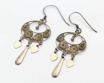 Vintage Lightweight Filigree Dangle Earrings in Sterling Silver Original Patina. [12247]