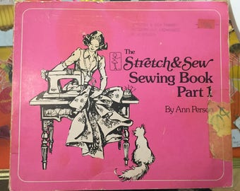 1976 //  STRETCH AND SEW Sewing Book Pt 1