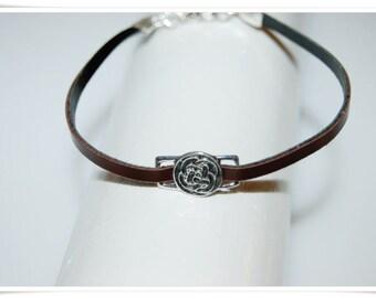 Leather Bracelet of Celtic knots minimal Black Brown simple leather bracelet