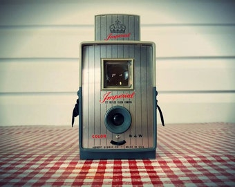 Vintage 1960s Imperial 127 Reflex Camera with Flash, Ready to Shoot...