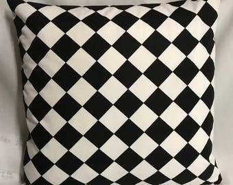 Harlequin Black and White Diamond Pillow Cover........with Invisible Zipper....New