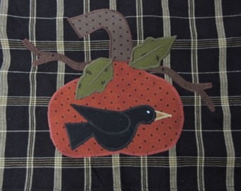 Appliqued Homespun Kitchen Towel in Black and Tan with Prim Pumpkin and Crow