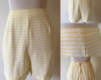 Size 26 1950s Striped High Waisted Shorts