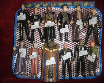 Vtg Babylon 5 figurines Twelve in All