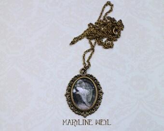 Necklace silver cabochon black werewolf